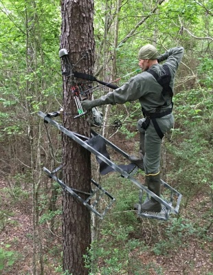 King Stand Climbing Tree Stand Hunting Trades